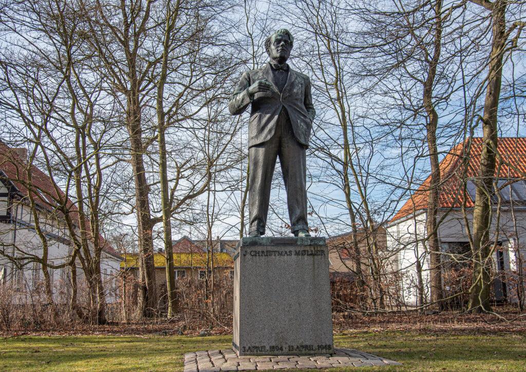 Statue af J. Christmas Møller ved Sdr. Boulevard