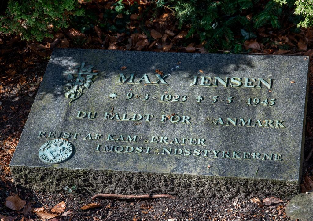 Max Jensens gravsten