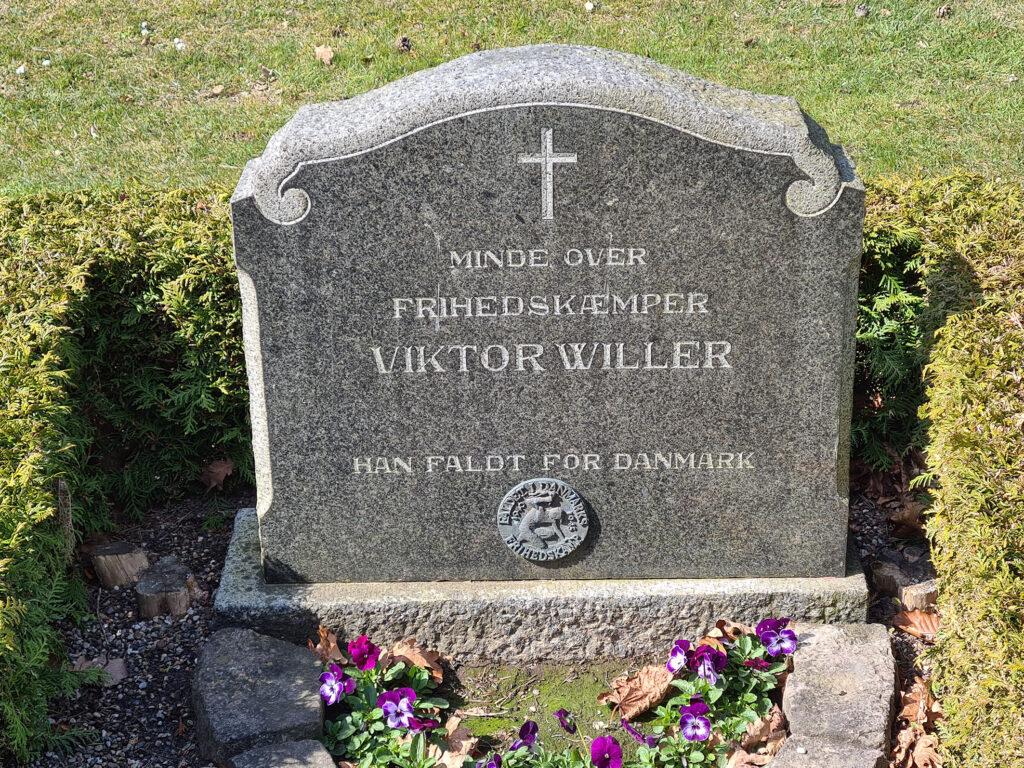 Gravsten over Viktor Willer