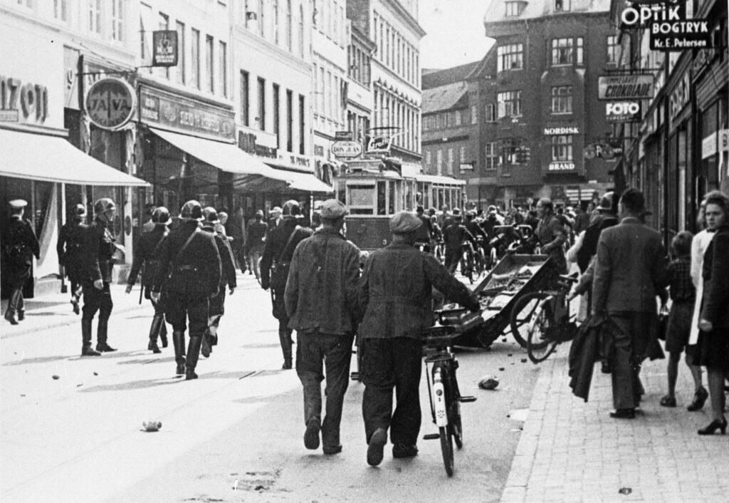 Augustoprør 1943: Den første strejke dag 18. august.